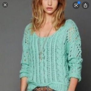 Sz xs Free People mint green cable knit sweater